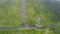 蘇花公路112.6K落石坍方(圖/翻攝自臉書蘇花公路即時路況) https://goo.gl/r92LyS