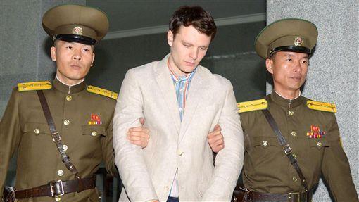 溫畢爾(Otto Warmbier)獲北韓釋放。(圖/路透社/達志影像)