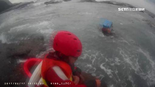 冰桶.救生衣救小命! 釣客落海險遭浪捲走