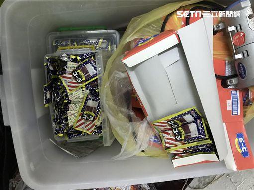 警方查獲各式製毒工具、原料、成品等證物。(圖/翻攝畫面)