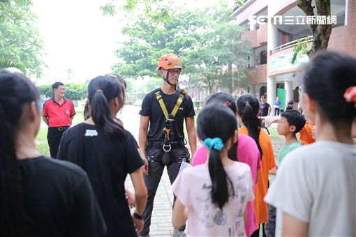雲林縣東和國小攀樹畢業典禮(圖/書劍戶外提供)