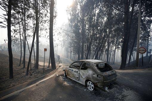 葡萄牙森林大火 政府證實43死數十傷_路透社/達志影像