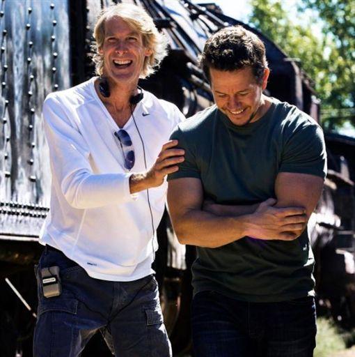 馬克華柏格和導演麥可貝相繼退出《變形金剛》系列電影。(圖/翻攝自馬克華柏格IG)