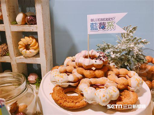 Mister Donut多拿滋,藍莓甜甜圈,宇宙人。(圖/記者簡佑庭攝)