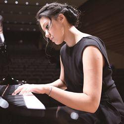 鋼琴女孩許韵頔 獨奏「指尖上的巴黎」!(圖/翻攝網路)