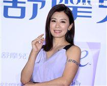 逆齡女神賈靜雯生完Bo妞後復出首場記者會,公開私密健康、招招要緊,產後神開機。(記者邱榮吉/攝影)