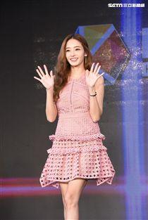 韓國女星韓彩英出席台北韓流博覽會簽名會與台灣粉絲相見