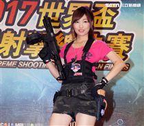 日本生存遊戲正妹槍手misamisa。(記者邱榮吉/攝影)