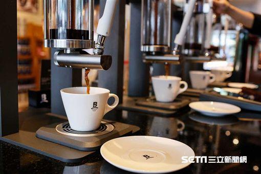伯朗咖啡館,金車集團,Mr. Brown Specialty Coffee,咖啡機。(圖/伯朗咖啡提供)
