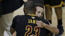 LeBron James與Stephen Curry(ap)