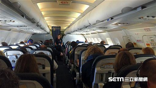 航空,空服員,乘客,機艙,飛機,地雷 (圖/記者簡佑庭攝) ID-959847