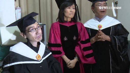 敲滑鼠打10萬字論文 成大肌萎碩士生畢業