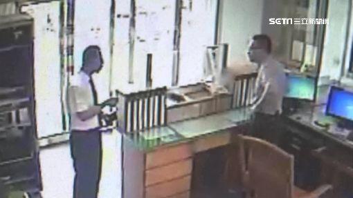 17歲車手頻接電話 運將起疑報警阻詐