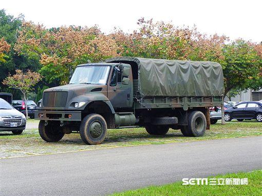 中型戰術輪車 軍卡 維基百科