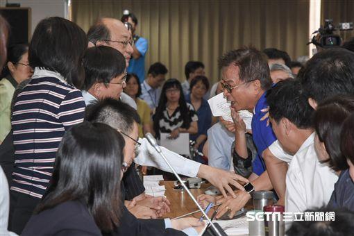 立法院財政委員會審查前瞻基礎建設條例預算,賴士葆 圖/記者林敬旻攝