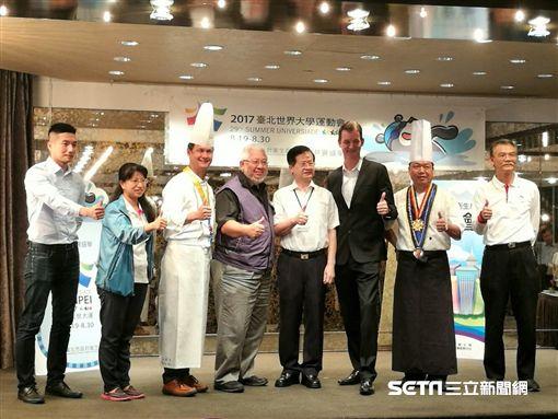 台北市衛生局於「食藥粧網路地圖」推出「世大運專區」揭露餐飲業者衛生稽查結果。(圖/記者楊晴雯攝)