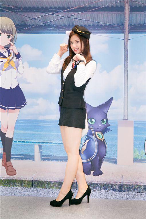 表特版排行榜女神現身 輔大周子瑜扮貓車掌小姐