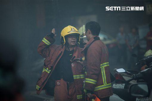 消防員,打火弟兄,救火,火災/默德攝影工作室 授權使用