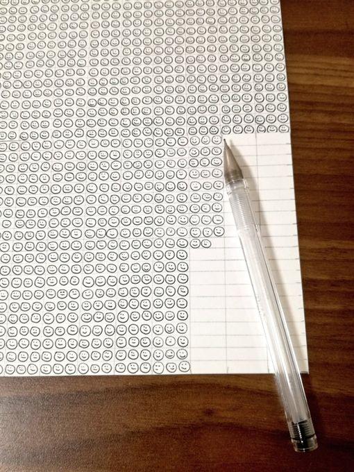 原子筆,墨水,寒假,研討,笑容,畫畫(圖/翻攝自推特)