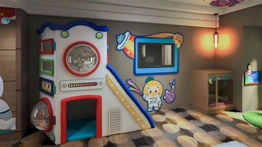 與「騎士堡兒童育成中心」聯手打造以太空為主題的「波波星球」主題房