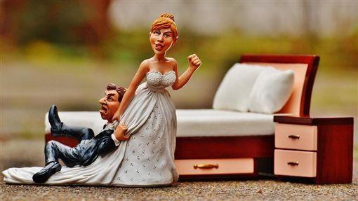 -結婚-婚禮-逃婚-吵架-新郎-新娘-圖/Pixabay