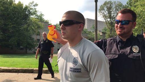 美國,警察學校,橡膠雞,測驗,警校,噪音,伏地挺身,憋笑/Indiana University Police Academy臉書