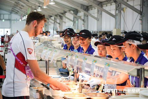 世大運選手村開村,台北市長柯文哲前往視察。 圖/記者林敬旻攝