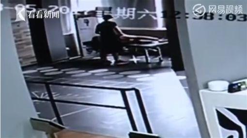 中國大陸,嘉善,健身房,猥褻,偷摸圖/翻攝自YouTube
