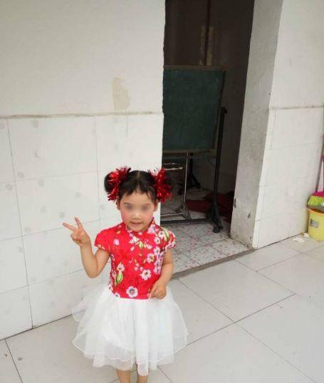 施工道路沒鋪平 挖開驚見4歲女童屍體,大陸,安徽(圖/翻攝網易新聞)