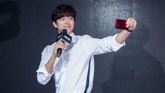 孔劉 ASUS ZenFone 4 Pro / ZenFone 4與ZenFone 4 Selfie Pro 華碩提供