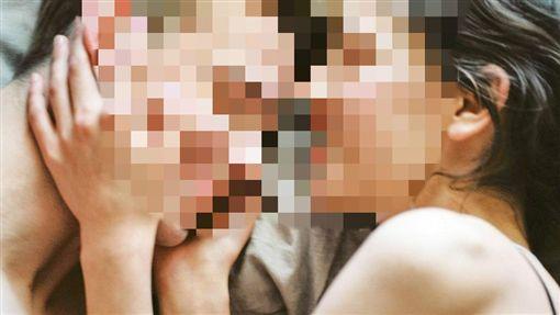 情侶、夫妻、愛愛、性愛、上床(示意圖)/pixabay ID-1028711