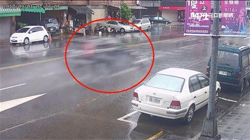 目睹失控衝撞17車 冷凍車英勇攔車阻憾事SOT ID-1037885