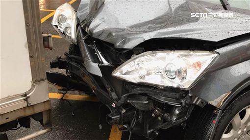 目睹失控衝撞17車 冷凍車英勇攔車阻憾事SOT ID-1037887