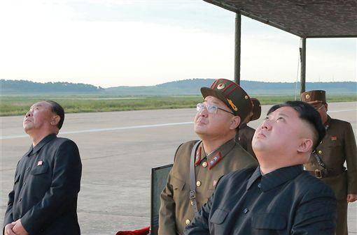 北韓發射火星-12型彈道飛彈,金正恩_路透社/達志影像