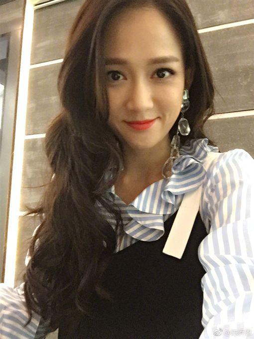 ▲喬任梁過世滿1周年。(圖/翻攝自陳喬恩、喬任梁微博)https://www.weibo.com/p/1004061648764935/photos?from=page_100406&mod=TAB#placehttps://www.weibo.com/p/1003061712539910/home?from=page_100306&mod=TAB&is_hot=1#place