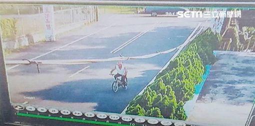 抓交替,老翁,腳踏車,摔車,水溝
