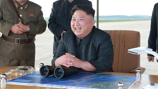 北韓發射火星-12型彈道飛彈,金正恩_路透社/達志影像 ID-1057250