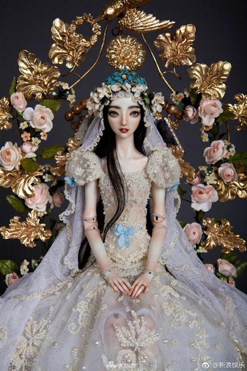 ▲李晨更在一年前就特別訂製這款新娘娃娃。(圖/翻攝微博)