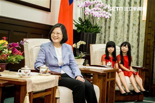《紅衣小女孩2》進總統府遊玩/威視提供