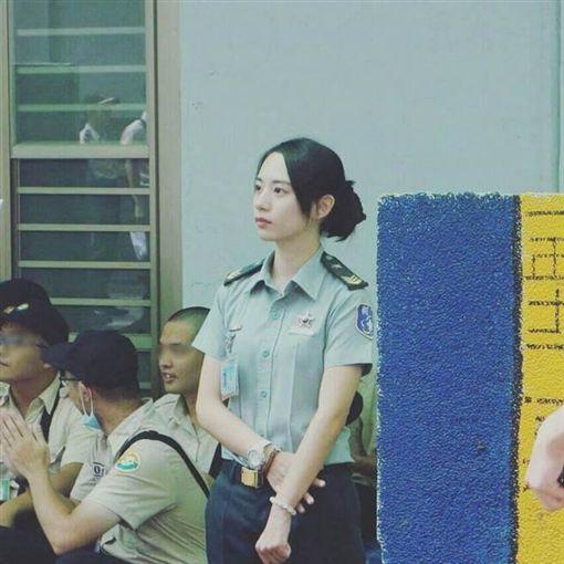 成功嶺國軍女士官太正...氣質清新好甜 網友驚呼:想簽下去!(圖/翻攝PTT) ID-1064840