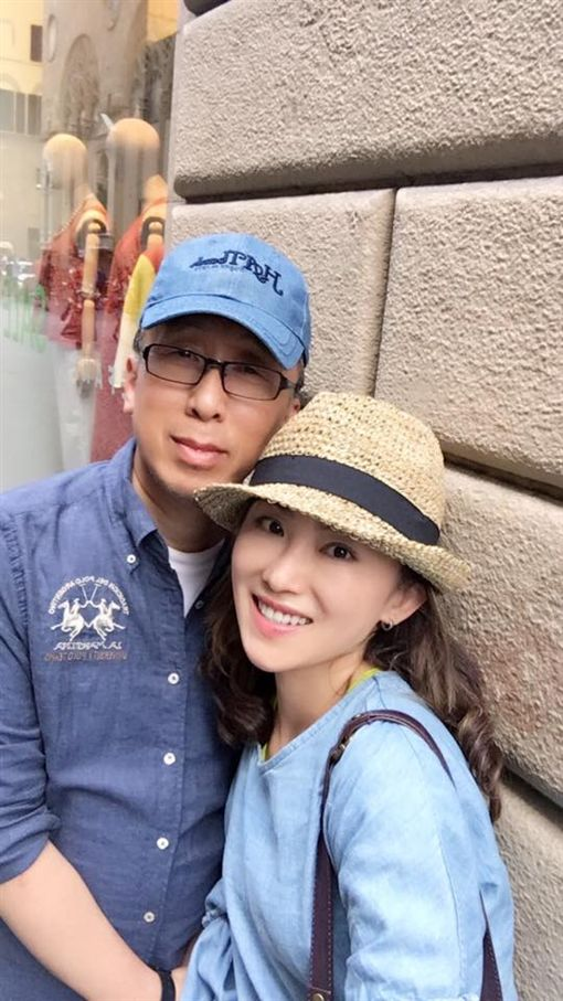 苦苓,鋼琴老師愛妻黃楚軒,翻攝自臉書