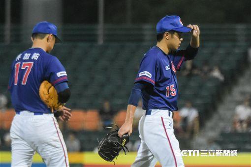 亞錦賽中華隊投手呂彥青退場 圖/記者林敬旻攝