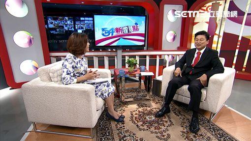 傅崐萁接受《54新觀點》專訪,談到大學時期的打工日子。