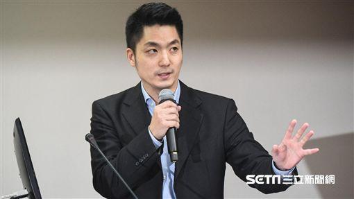 國民黨立委蔣萬安於衛生及環境委員會質詢。 圖/記者林敬旻攝