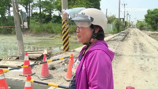 下水道施工7個月 民眾經過險自摔