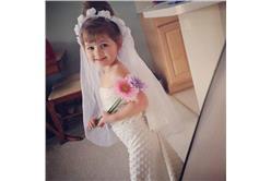 女兒的紙洋裝_卡卡