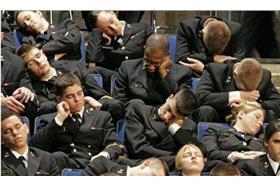 無聊時的打瞌睡(來源:Mr.6)