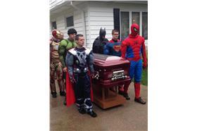 超級英雄告別式