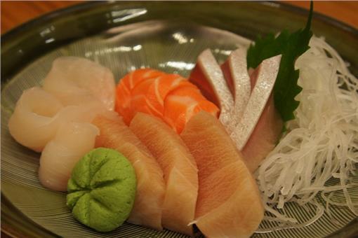 生魚片(flickr/astroronblues)