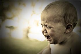 嬰兒哭泣/flickr(https://farm3.staticflickr.com/2533/3741745674_d627d057f4_z.jpg)